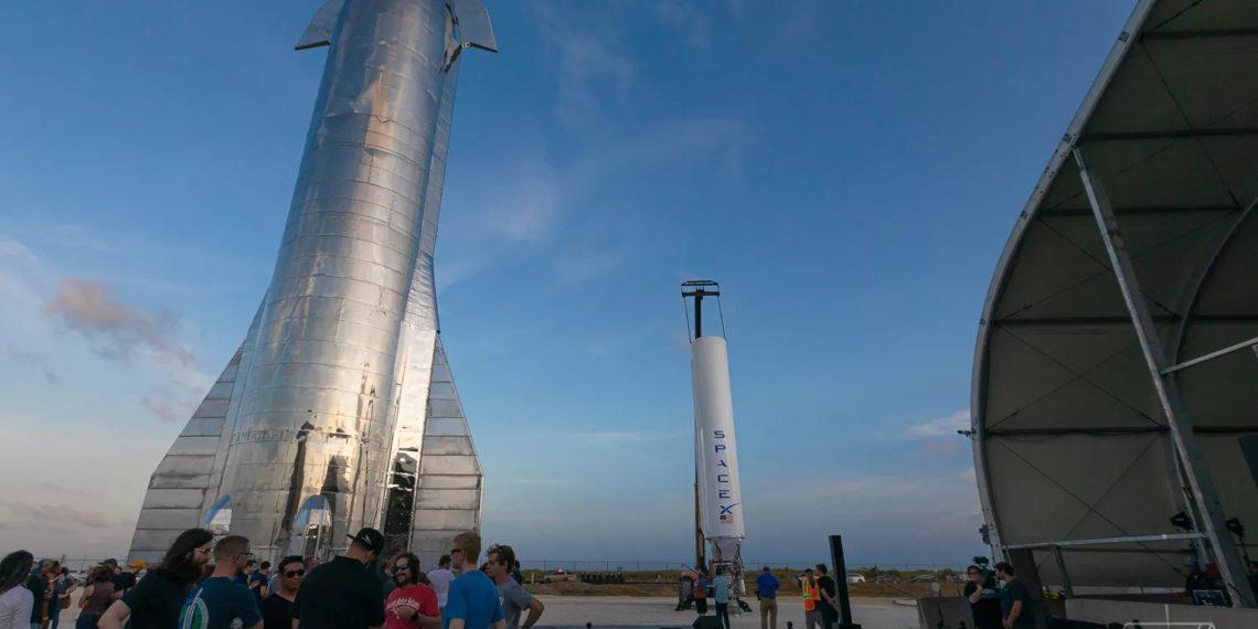 Elon Musk Starship prototip raketini təqdim etdi