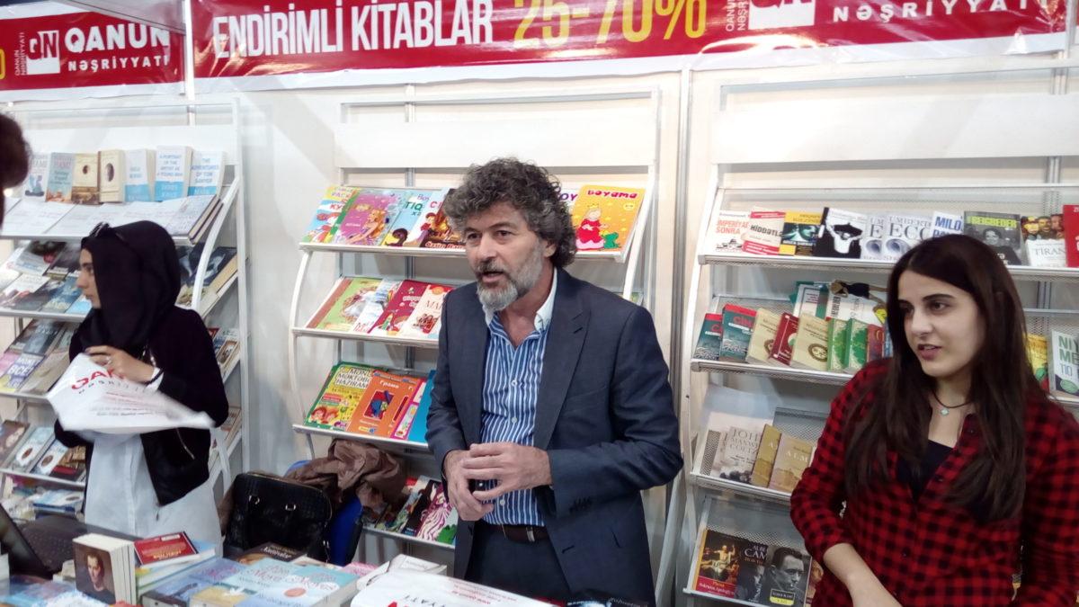 """Şahbaz Xuduoğlu: """"Kitabxana yoxdursa, dövlət də yoxdur"""""""