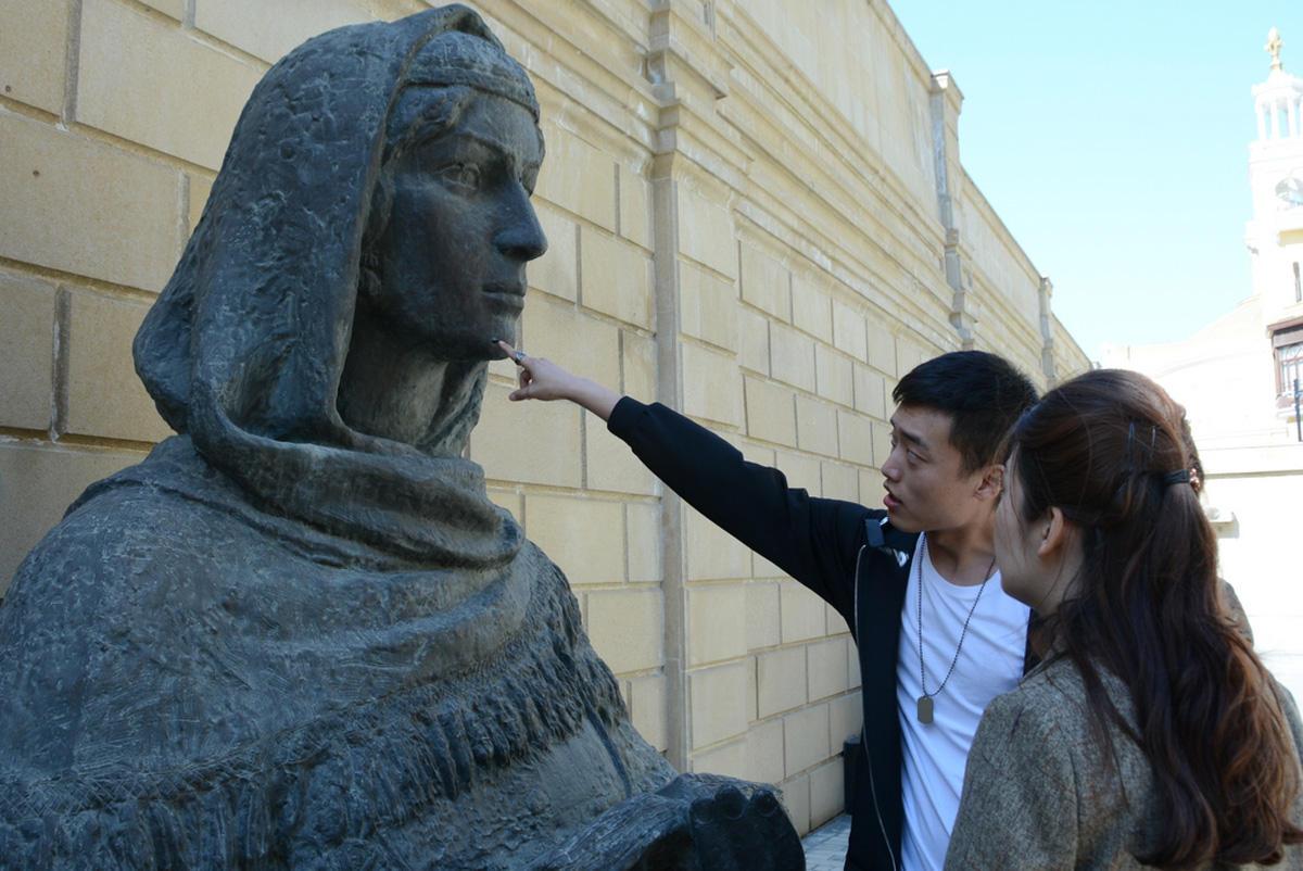 Bakının heykəllərinə virtual tur